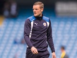 Jamie Vardy warms up prior to the Premier League game between Manchester City and Leicester City on May 13, 2017