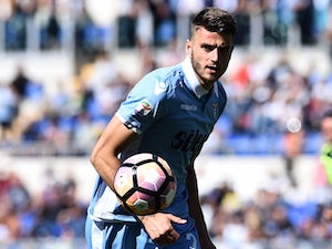 Southampton seal Hoedt signing