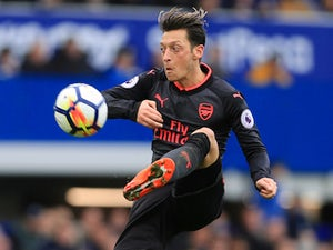 Ozil 'demands £330,000 a week from Barca'