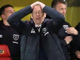 David Moyes is having a mare during the Premier League game between Watford and West Ham United on November 19, 2017