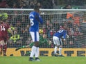 Wayne Rooney equalises from the spot during the Premier League game between Liverpool and Everton on December 10, 2017
