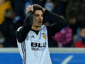 Man United to sign Guedes in £51m deal?