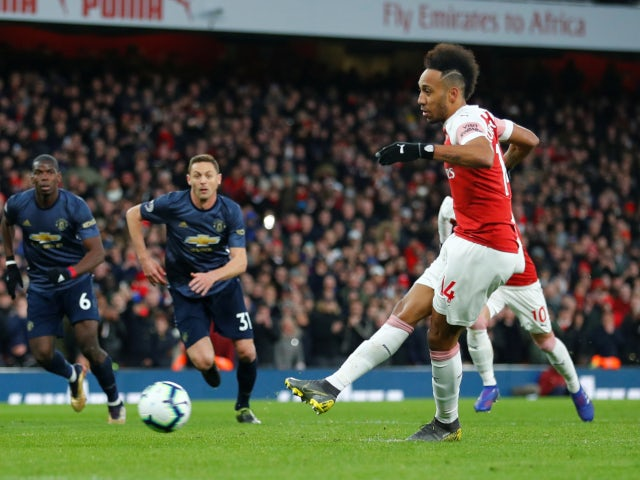 Arsenal move above Man Utd as Solskjaer suffers first league defeat