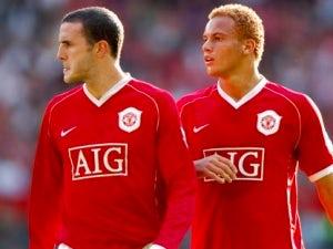 Man United pair close to Sunderland move