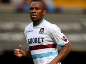 Queens Park Ranger sign Danny Gabbidon