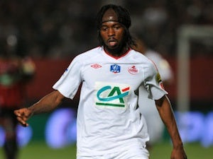 Gervinho completes Arsenal move