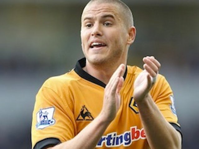 Kightly signs new Wolves deal