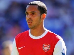 Theo Walcott to have ankle scan