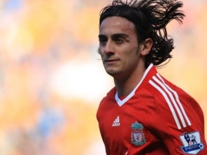Aquilani: 'I'm happy to stay at Liverpool'