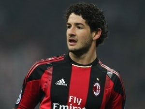 Alexandre Pato to see out AC Milan contract