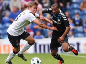Cole to extend Chelsea contract