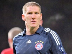 Schweinsteiger issues warning to Arsenal