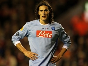 Agent: 'Cavani not moving to Man United'