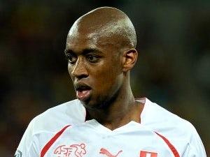 Fernandes signs for Freiburg