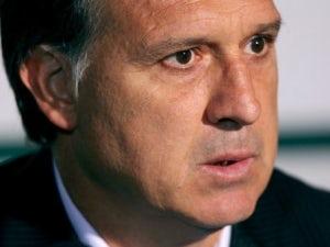 Paraguay coach given touchline ban