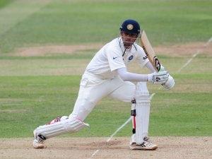 Dravid announces limited-overs retirement plans