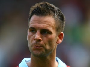 Southampton complete signing of Danny Fox