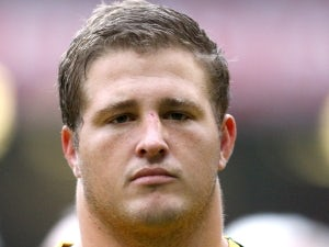 Slipper re-signs for Reds and Wallabies