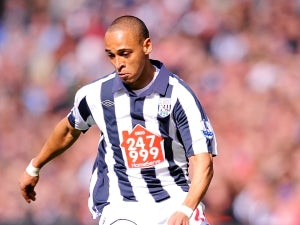Peter Odemwingie signs new deal