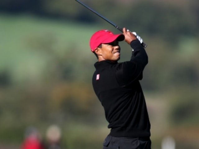 Woods takes lead at Bay Hill