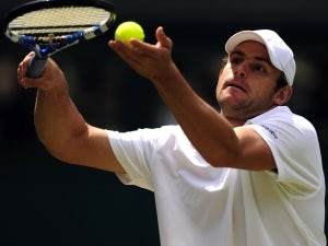 Result: Roddick marches on in New York