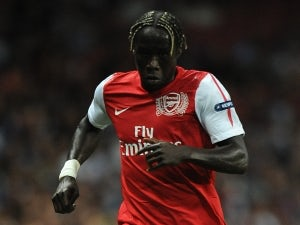 Bacary Sagna suffers broken leg