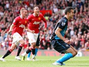 Report: Arsenal lower Van Persie asking price