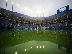 Rain stops play at US Open