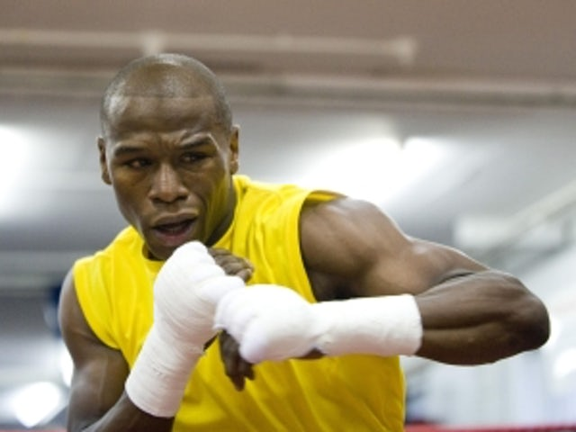 Mayweather 'in talks with Alexander'