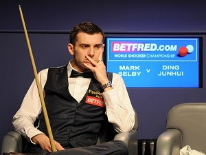 Selby, Dott into quarters