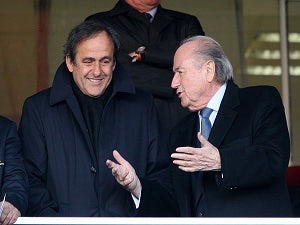 Blatter prepares U-turn over FIFA bribes probe