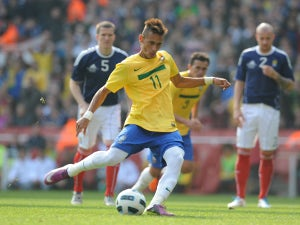 Alves urges Neymar move