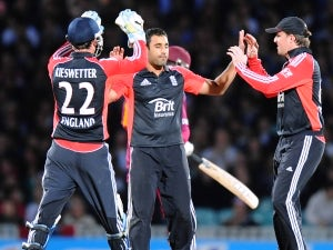 Trio handed England contracts
