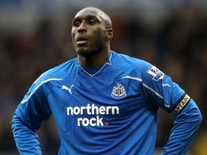 Campbell questions Arsenal ambition