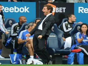 AVB aims to close gap on Manchester clubs