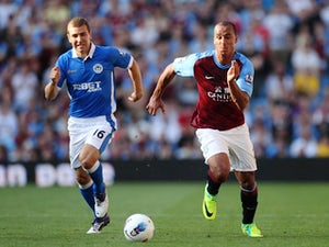 Villa's Agbonlahor fit for Man City clash