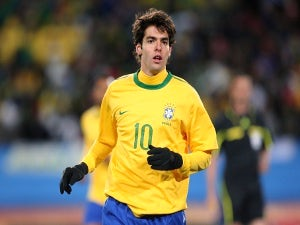 Arsenal to fight PSG for Kaka