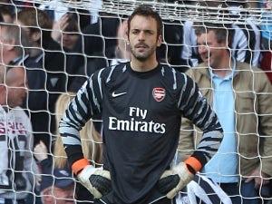 Manuel Almunia joins West Ham on emergency loan