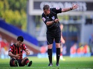 Aguero limps off for Man City