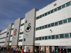 Swansea sign young Preston striker