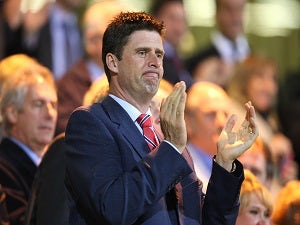Niall Quinn steps down as Sunderland chairman