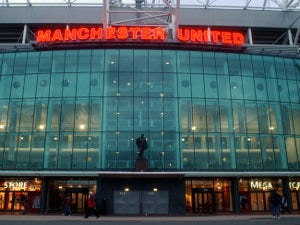 Man Utd buy out training kit deal
