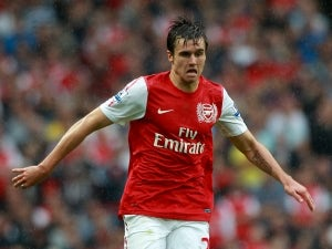 Wenger backs Jenkinson for England success