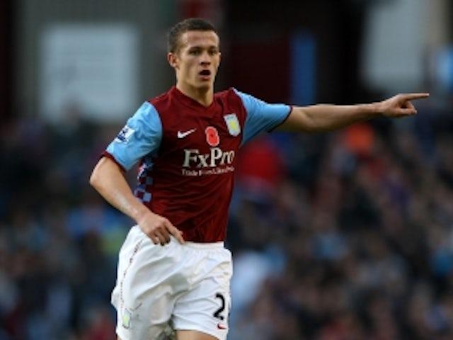 Hogg agrees Huddersfield move