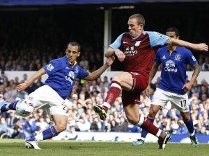 Dunne suffers injury setback