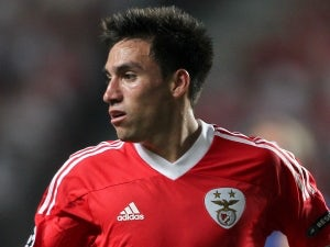 No Man United, Man City contact for Gaitan