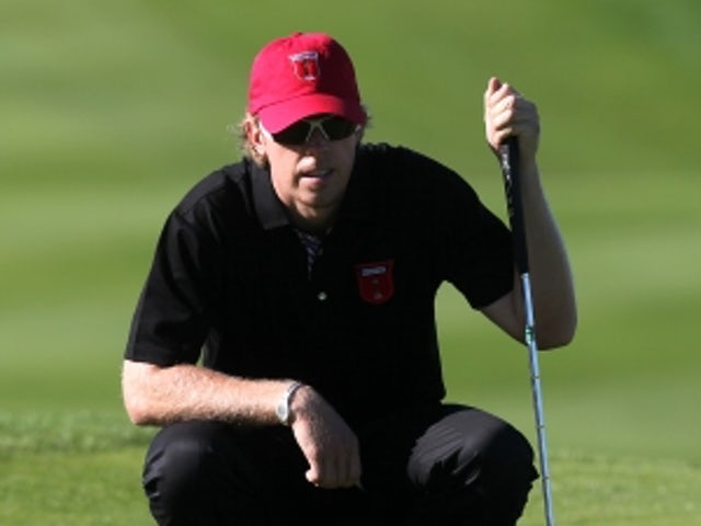 Mahan holds clubhouse lead
