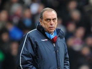 Avram Grant: Chelsea are favourites