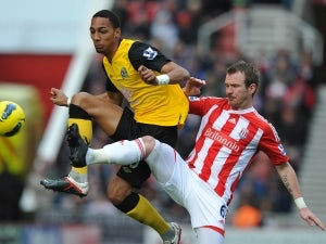 Whelan signs new Stoke deal