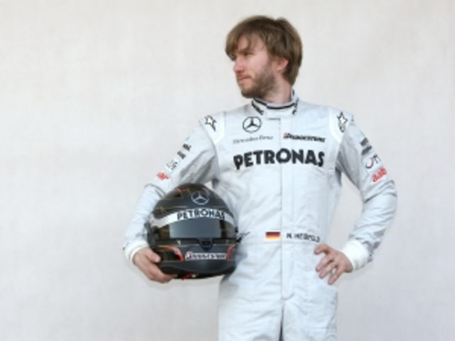 Vettel contract will have equality clause - Heidfeld